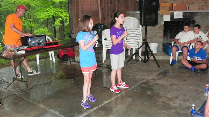 Camp Idol: Madalyn and Brooklyn sang