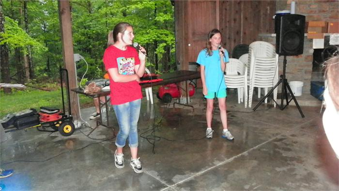 Camp Idol: Hailey and Sydney sang