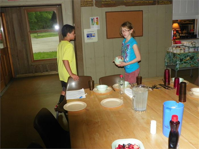 Breakfast Hoppers: Each camper was required to sign up to be a table hopper and set the table before the meal.