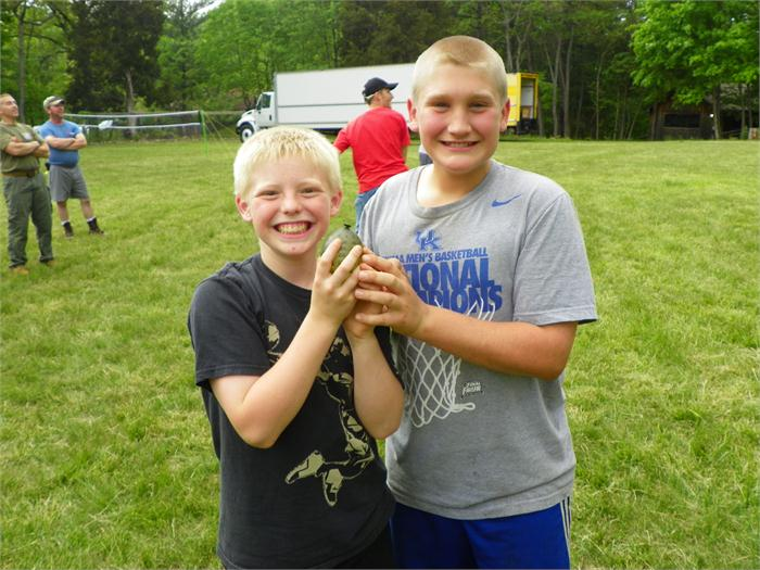 Boys Balloon Toss: Austin and Chase were the winners of the boys balloon toss.